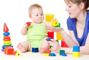 Baby-Spielzeug © Svetlana Fedoseeva - Fotolia.com